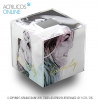 Cubo de acrilico con vinilo full color